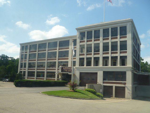 Nai hanson brokers sale of former anin flag company for Hanson motors service department