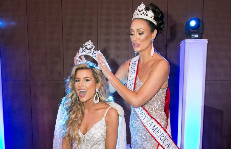 Crowning of Mrs. New Jersey